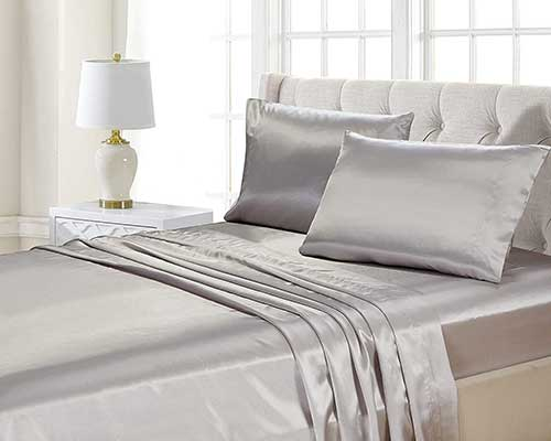 Home Collection 4pc Queen Size Satin Sheet